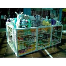 Стенд островного типа для мягких игрушек Craftholic в ТЦ Лето